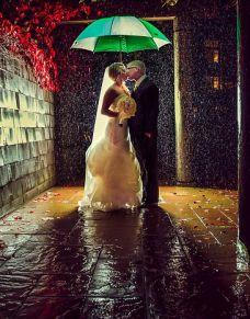 极端天气拍别样婚纱照