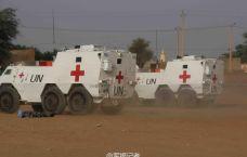 我军新型装甲救护车扬威海外