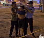 北京城管集中整治报刊亭 摊主阻挠起冲突