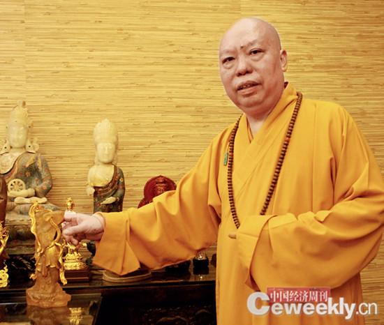 p80 净雄法师在20 余年间先后募资2 亿元,收回5000 余件中国文物,目前他计划在厦门建设博物馆安放文物。《中国经济周刊》记者 韩文 摄