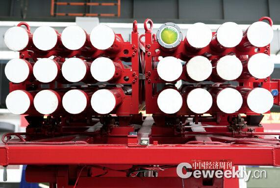 p47-2 一辆投弹消防车上装载有24 发灭火弹。《中国经济周刊》记者 肖翊I 摄