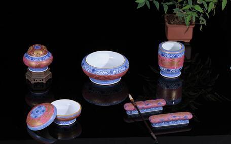 豐瑶胭脂红陶瓷展品