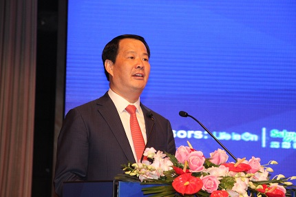 大会执行主席、国际玻璃协会顾问委员会主席彭寿发表主旨演讲。