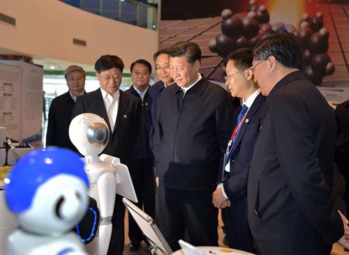 """机器人""""小曼""""和""""佳佳""""向总书记 问好——摘录于新华网 - 江南一叟 - 江南一叟新闻眼 朋友您好,江南一叟欢迎您"""