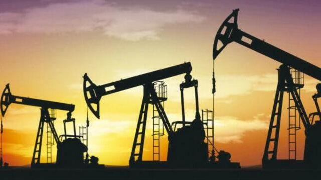 中海油中石油业绩双双坠落:中海油半年亏77亿 中石油净利降97.9%