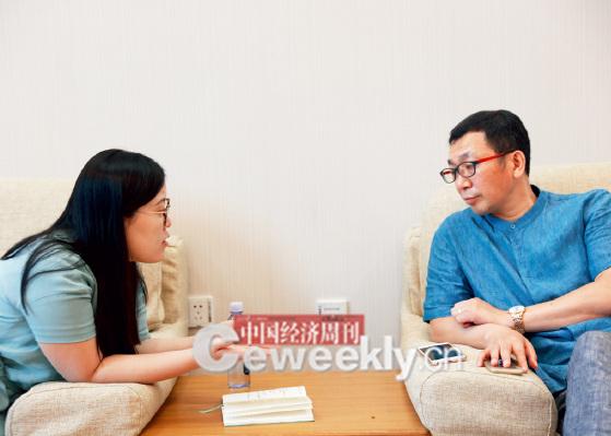 p24-4 中关村股权投资协会会长王少杰(右):给我瞄一眼,本子上都写了啥问题_副本