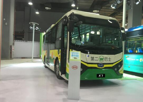 """比亚迪商用车亮相广州国际城市公交展掀起羊城""""绿旋风""""_赛车345"""