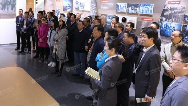 中国扶贫论坛嘉宾参观定西扶贫纪念馆、扶贫典型