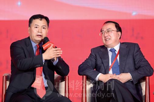 p61 财政部PPP 中心主任焦小平与山东省财政厅厅长于国安在对话现场。