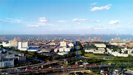 p46 2013年9月26日,上海自贸试验区。CFP