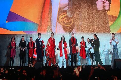 奥运冠军马琳和汪皓出席百e国际年度盛典