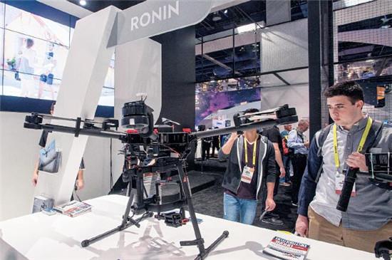 P53 作为全球领先无人飞行器研发和生产商,大疆不会错过的CES这样的大型展出。