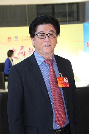 全国人大代表、安徽应流集团董事长杜应流。 (2)