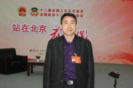 全国人大代表、安徽天方茶叶(集团)有限公司董事长郑孝和。1