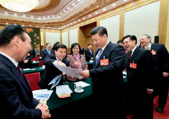 p21(1)2017 年3 月8 日,习近平总书记参加四川代表团审议。