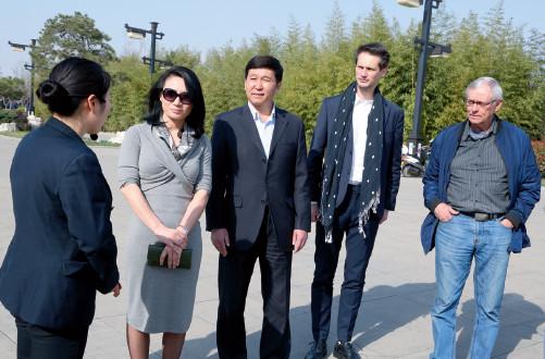 p73 美国好莱坞专家考察韩城电影小镇