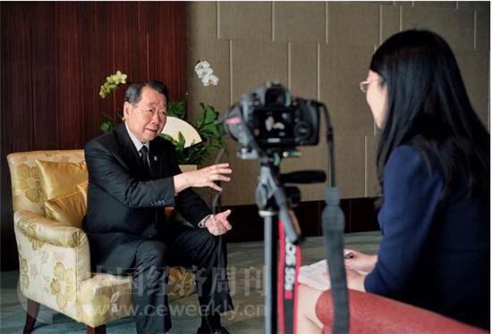 p134 谢国民接受《中国经济周刊》记者姚冬琴专访。《中国经济周刊》首席摄影记者 肖翊 摄