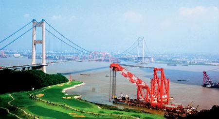 72-1 江阴跨过长江在靖江经营工业园区 摄影  严汉文