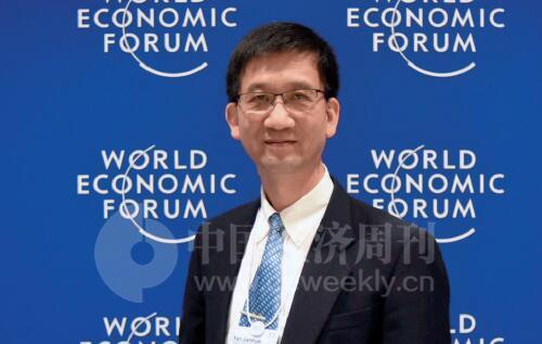 32 《中国经济周刊》见习视频记者 杨蒋超I 摄