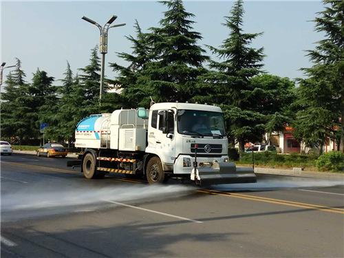 3.洗扫车快车道作业
