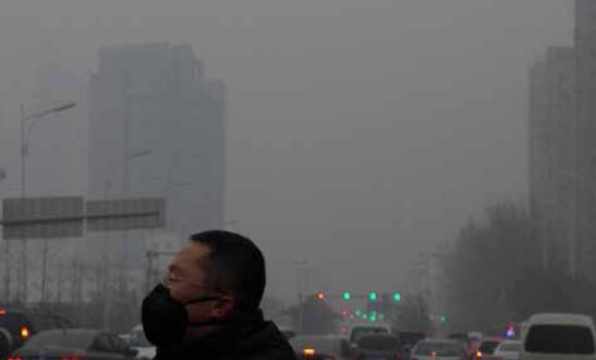 p31--12016 年12 月19 日,辽宁沈阳,辽宁省发布霾橙色预警。此次中央环保督察组反馈称,辽宁一些地市屡屡突破环境底线上马项目。