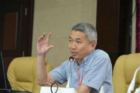 河南省商业经济研究所所长张进才就目前的宏观经济形势做了精彩的分析研判。