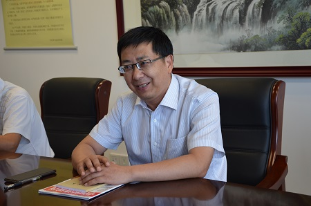 1、南通市民政局局长王国平介绍该市设立照护保险的情况 摄影 陈瑜