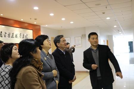 1、苏州市民政局局长李永根介绍该市虚拟养老情况 苏州民政局提供