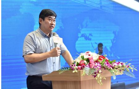 上海金融小镇总经济师杨乐