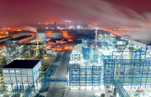 p76 国内最大的精细磷企业——澄星实业 供图I 江阴宣传部