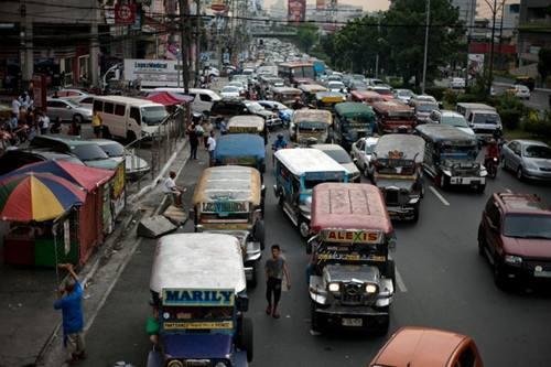 拥堵不堪的菲律宾街头