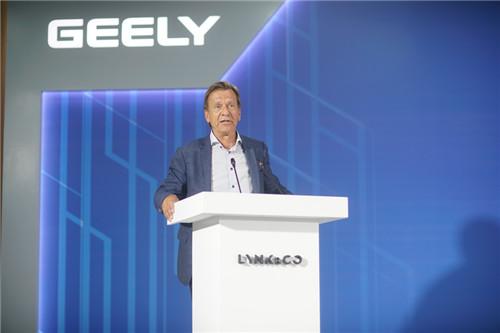 4、沃尔沃汽车集团总裁、CEO汉肯塞缪尔森讲话