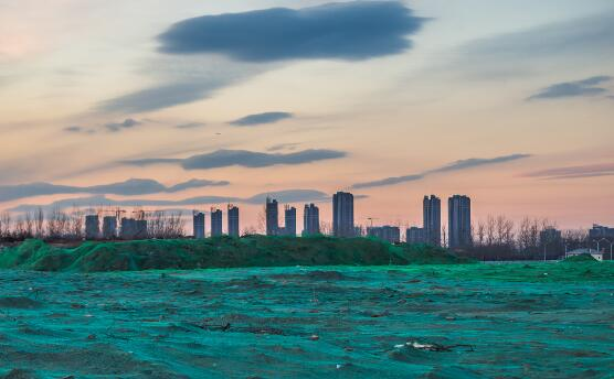 p50-图为北京通州区潞城镇郝家府村。北京行政副中心行政办公区起步区已经开工建设。视觉中国