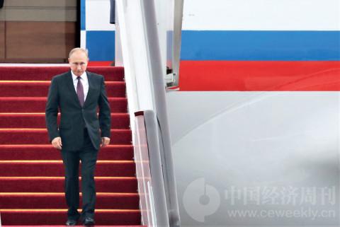 p31(1) 9 月3 日下午,俄罗斯总统普京走下专机舷梯。