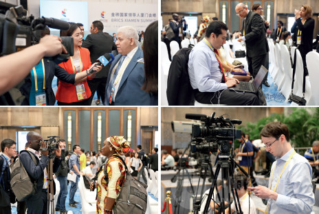 p33 各国媒体积极参与金砖国家第九次会晤报道 《中国经济周刊》首席摄影记者 肖翊摄
