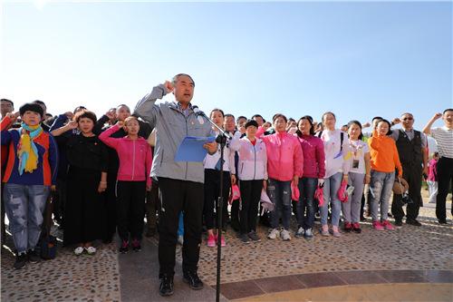 在西北边境第一连重温入党誓词 李洪滨摄