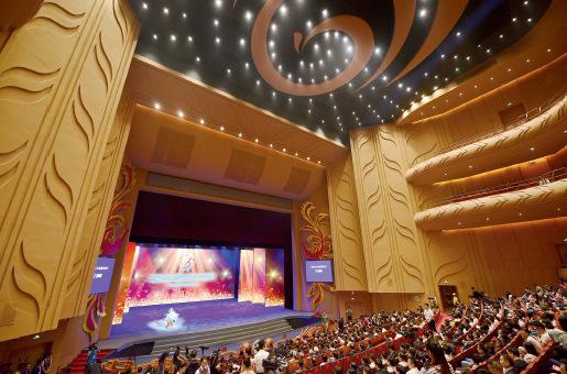 81-1 唐山大剧院为市民带来更多国际国内的一流演出  视觉中国