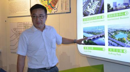 1、中新苏滁(滁州)开发有限明升m88备用网址总裁刘和平在介绍园区发展情况 摄影 陈瑜