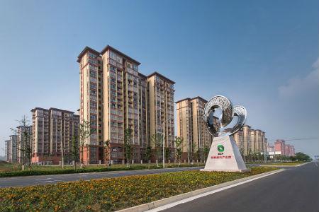 2、苏滁现代产业园区的交融雕塑