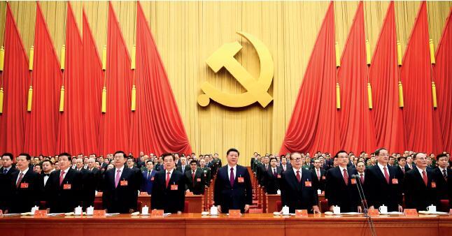 p69-10 月18 日,中国共产党第十九次全国代表大会在北京人民大会堂开幕。这是习近平、李克强、张德江、俞正声、刘云山、王岐山、张高丽、江泽民、胡锦涛在主席台上。 新华社