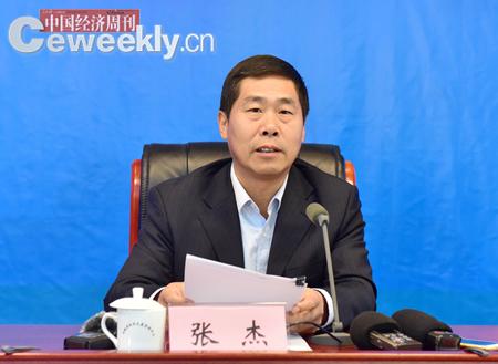 安徽省人民政府副秘书长张杰发布新闻。吴晓光  摄