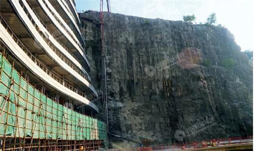 67 《中国经济周刊》记者拍摄世茂深坑酒店实景图