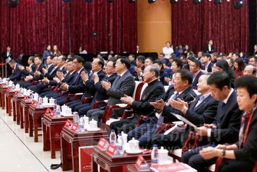 p20-来自政商学界的200 多位嘉宾出席了论坛《中国经济周刊》首席摄影记者 肖翊 摄