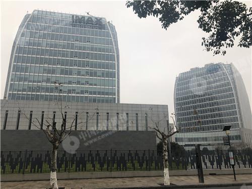 中国上海网络视听产业基地 钱宝网曾注册过10家公司 办公地址位于IMAX这个楼里(宋杰摄)