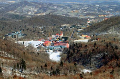 38 亚布力滑雪场全貌 视觉中国