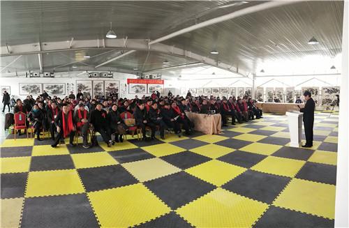 徐州楚汉书画研究院院长马世和在北京参加全国书画名家巡回展开幕式