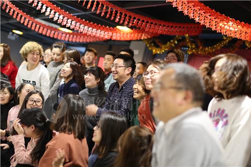 20 中关村创客小镇的一场年会正在彩排 《中国经济周刊》记者 胡巍 摄