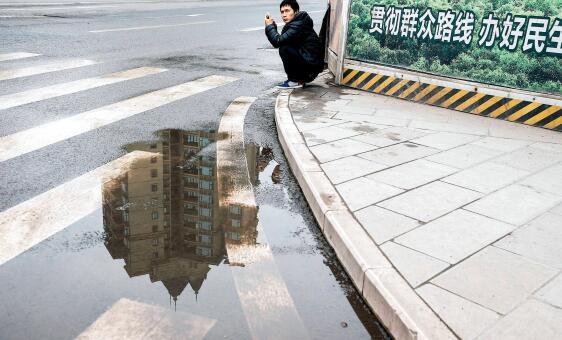 p31-有报告显示,受访人群中有返乡置业意愿的人占比高达 59%,多重因素正推动返乡置业大潮。视觉中国