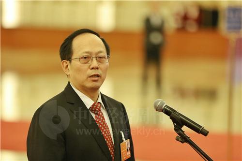 体育总局局长苟仲文