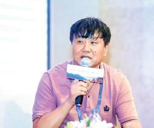 p28-4雪峰山旅游开发公司董事长 陈黎明